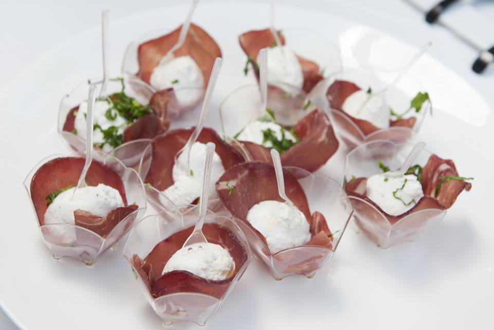 Sottile di bresaola e ricotta canestrata in Finger food