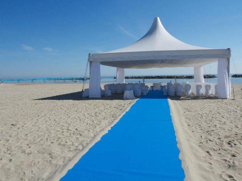 Gazebo in vista mare adriatico per nozze civili